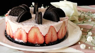 no-bake-oreo-strawberry-cheesecake_landscapeThumbnail_en.png