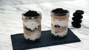 oreo-mud-pie-in-a-jar_landscapeThumbnail_en.jpeg