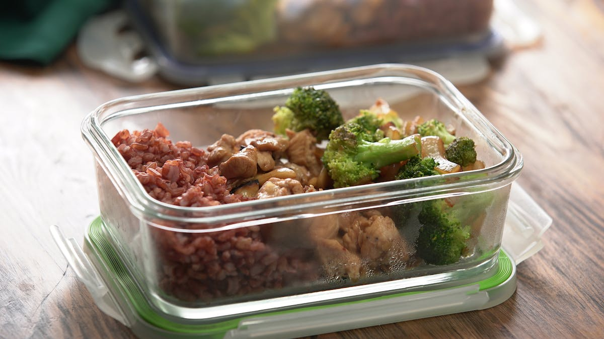 cashew-chicken-healthy-meal-prep_landscapeThumbnail_en.jpeg