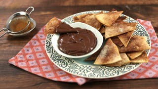 hawaij-spiced-nachos-with-chocolate-dipping-sauce_landscapeThumbnail_en.jpeg