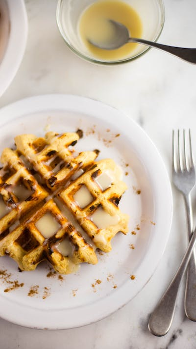 Healthy Cinnamon Roll Waffles