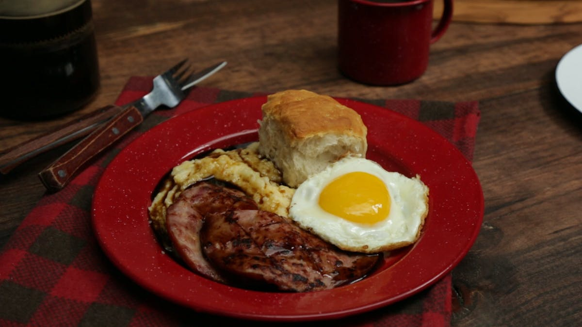 country-ham-with-red-eye-gravy_landscapeThumbnail_en.jpeg
