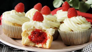 raspberry-and-white-chocolate-cupcakes_landscapeThumbnail_en.png