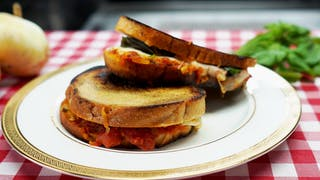 pizza-margherita-grilled-cheese_landscapeThumbnail_en-US.png