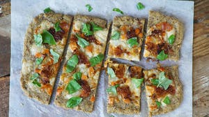 flaxseed-pizza-crust_landscapeThumbnailClean_en.png