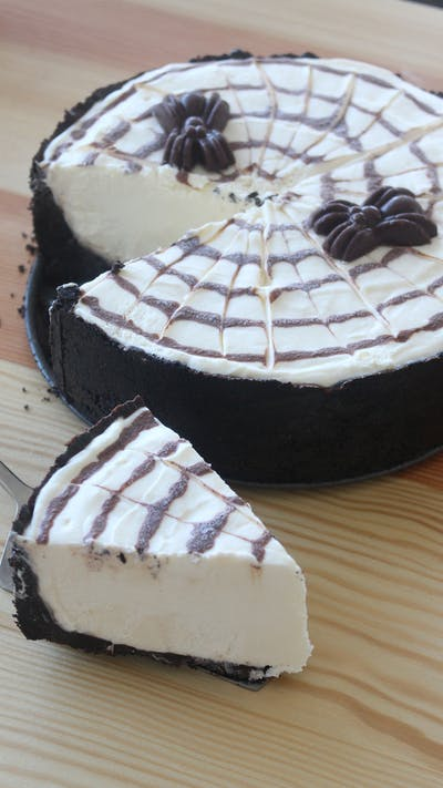 No-Bake Spider Cheesecake