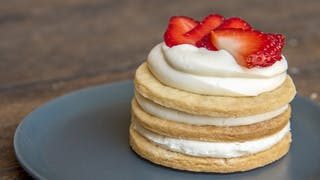 strawberry-shortcake-mini-sugar-cookie-cakes_landscapeThumbnail_en-US.jpeg
