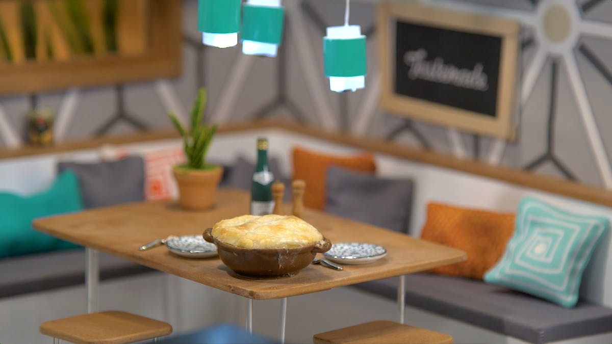 tiny-kitchen_s6e8_tiny-chicken-pot-pie_landscapeThumbnail_en.png