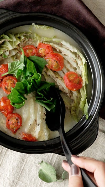 Pork and Chinese Cabbage Mille-Feuille Hot Pot
