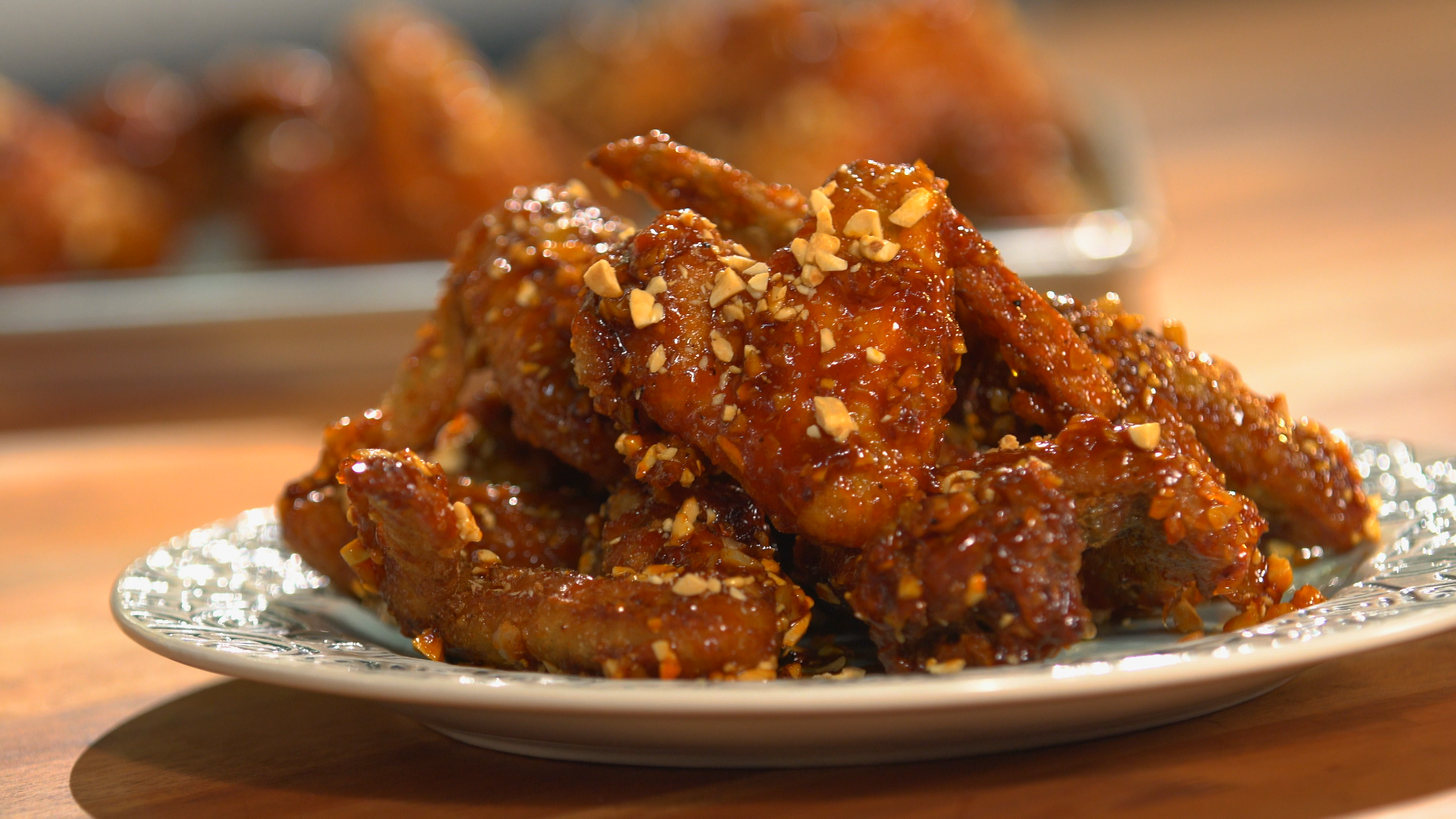 Spicy crispy korean fried chicken recipe tastemade forumfinder Image collections