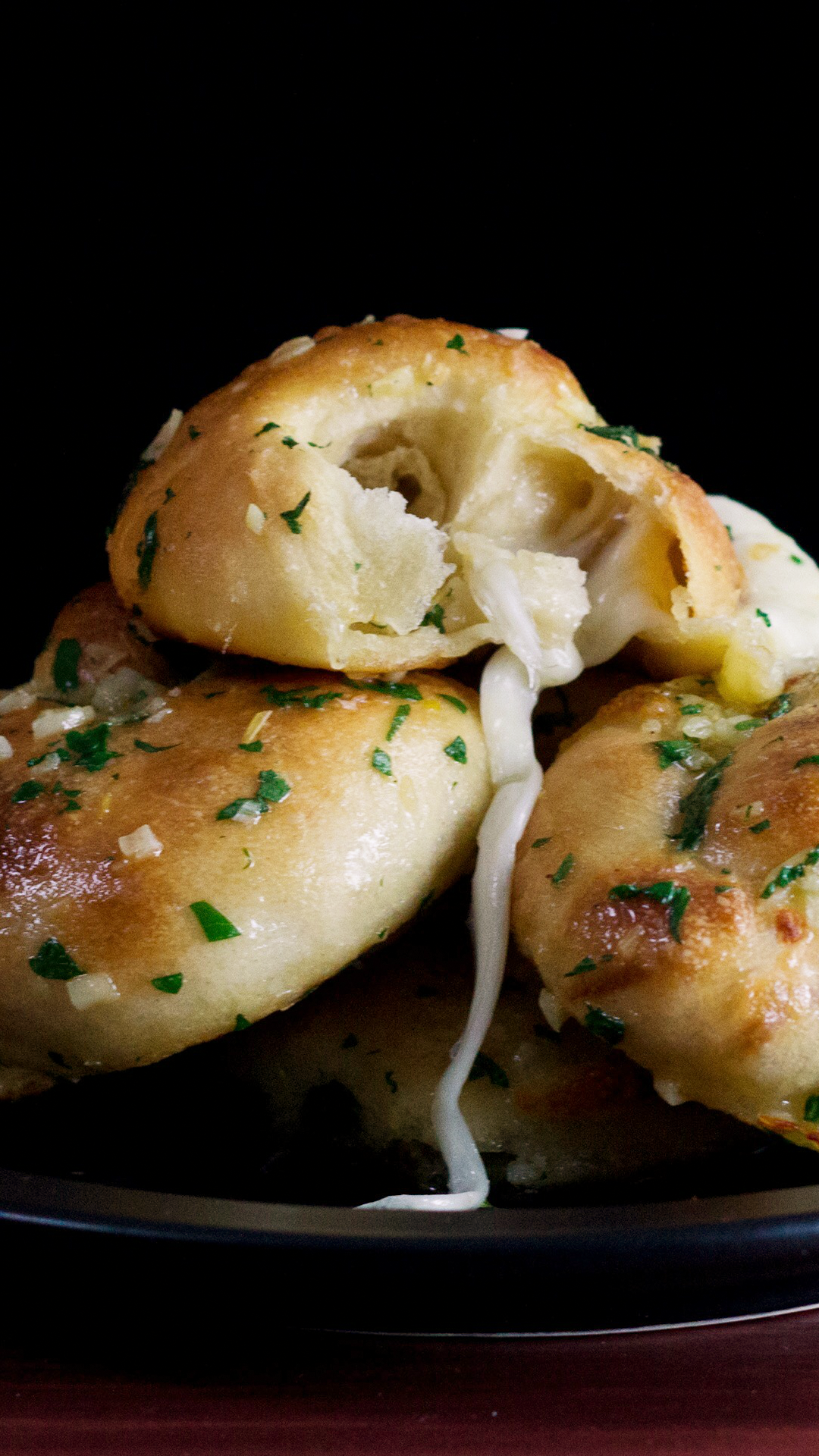 Mozzarella Stuffed Garlic Knots Hungry Af Tastemade Cheezy Mozarella