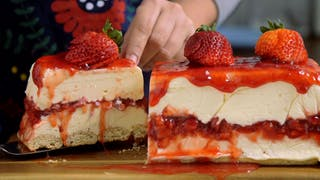 white-chocolate-strawberry-cheesecake_landscapeThumbnail_en.jpeg