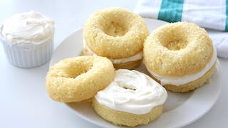 cream-cheese-bagel-cakes_landscapeThumbnail_en-US.png