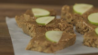 no-bake-apple-pie-protein-bar_landscapeThumbnail_en-US.jpeg