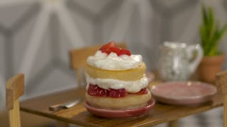 tiny-kitchen_s3e2_tiny-strawberry-short-cake_landscapeThumbnail_en-US.png