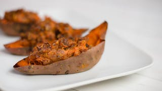 healthy-af_s3e130_holiday-stuffed-sweet-potato_landscapeThumbnail_en.jpeg