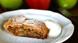 max-thumbnail-episode-crisp-apple-strudel
