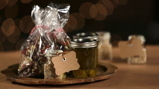homemade-food-gifts_landscapeThumbnail_en.jpeg