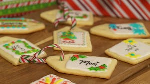 cookie-name-tags-julie-and-mom_landscapeThumbnail_en.png