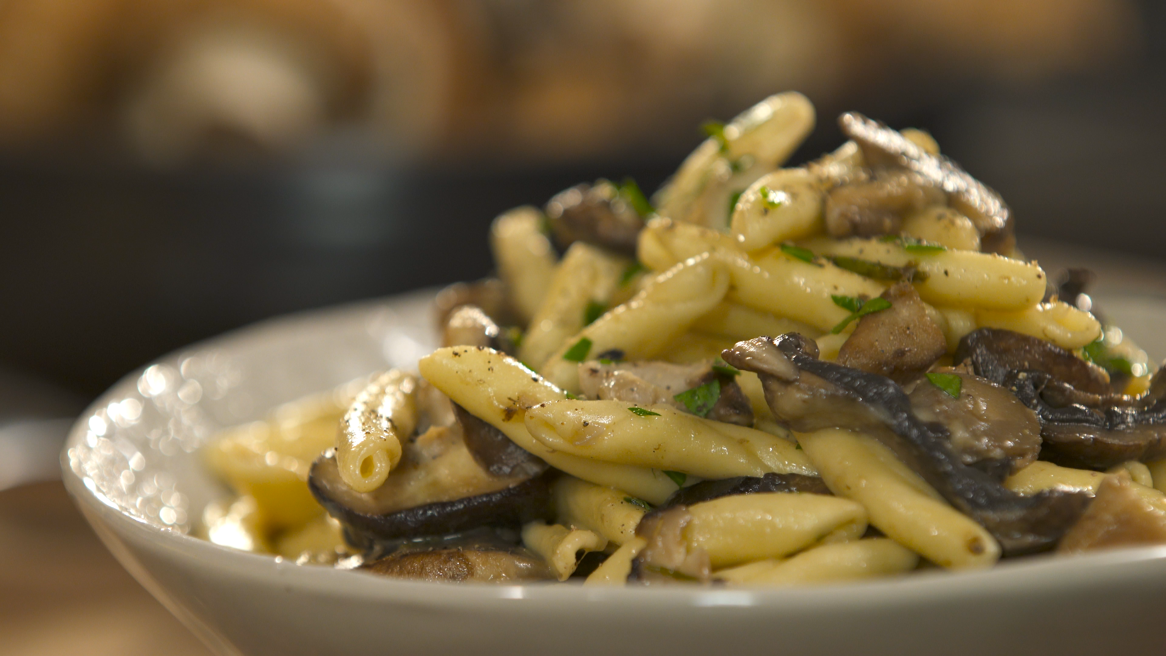 Mushroom pasta recipe tastemade forumfinder Image collections